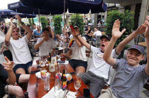 So verfolgten die Stuttgarter Fans den Sieg der Nationalmannschaft