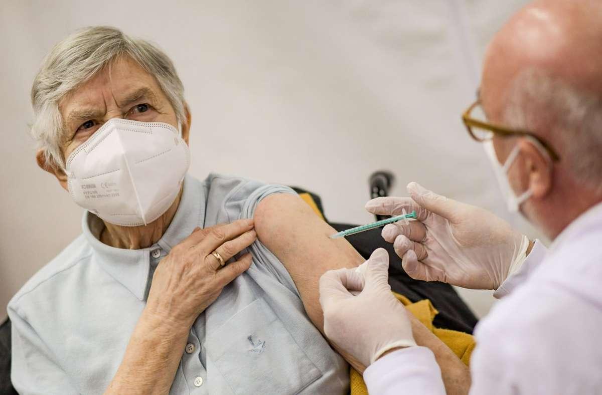 Die Corona-Impfungen verteilen sich unterschiedlich auf die Bundesländer. Foto: dpa/Axel Heimken