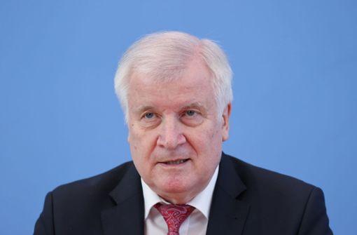 Seehofer: Auch in Deutschland weiter islamistische Terrorgefahr
