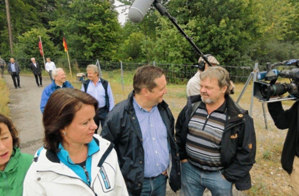 Stefan Mappus genießt Kameras und Honoratioren. Foto: Rafael Binkowski