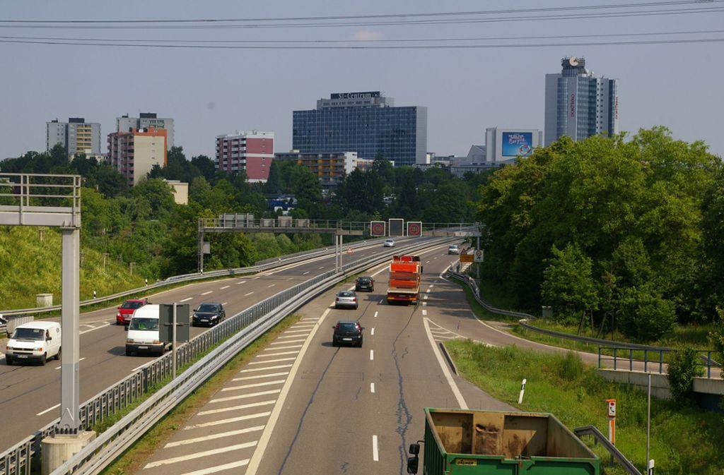 Könnte man die Auffahrt vom Fasanenhof auf die B27 Richtung Stuttgart-Degerloch sicherer machen? Foto: Archiv Alexandra Kratz