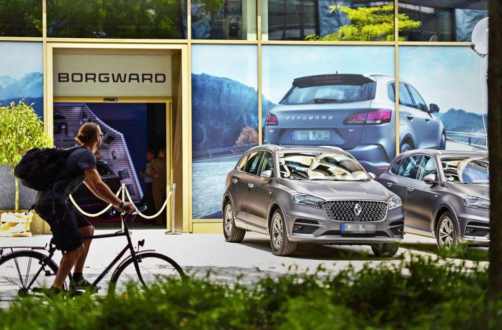 Vor einem Jahr eröffnete Borgward  in  Stuttgart   sein erstes Markenzentrum. Heute sieht es darin trist und grau aus. Foto: Lichtgut/Max Kovalenko