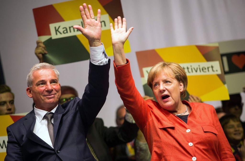 Bundeskanzlerin Angela Merkel und Parteichef Thomas Thomas Strobl genießen den Beifall Foto: dpa