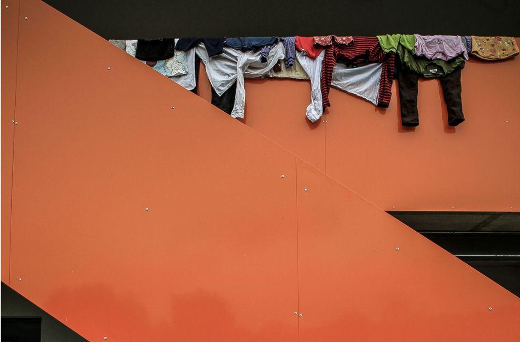 In Containern haben Flüchtlinge deutlich weniger Privatsphäre als in Systembauten. Foto: Lichtgut/Leif Piechowski