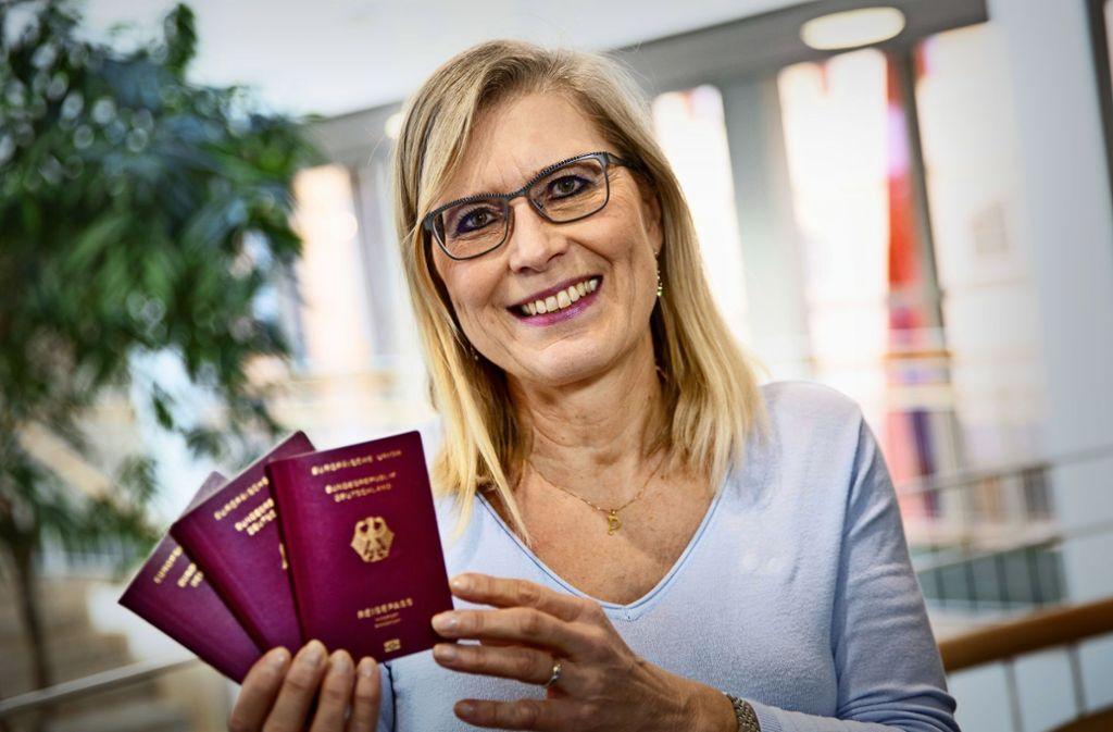 Die Leiterin des Nürtinger Bürgeramts, Monika Austermann, will informieren und so den Bürgern einen unnötigen Gang aufs Rathaus ersparen. Foto: Ines Rudel
