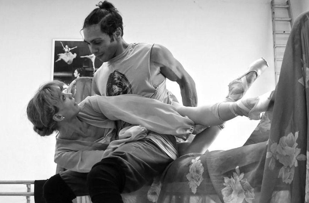 """Starke Männer, schwache Frauen: Probenszene aus """"Endstation Sehnsucht"""" mit Alicia Amatriain und Jason Reilly Foto: Ulrich Beuttenmüller"""
