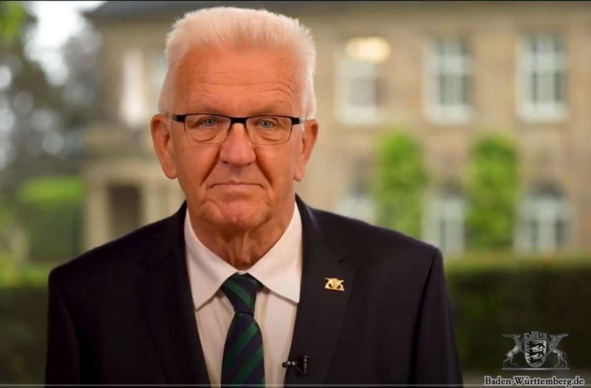 Ministerpräsident Winfried Kretschmann wandte sich in einer Ansprache direkt an Ungeimpfte. Foto: Baden-Württemberg.de/Youtube