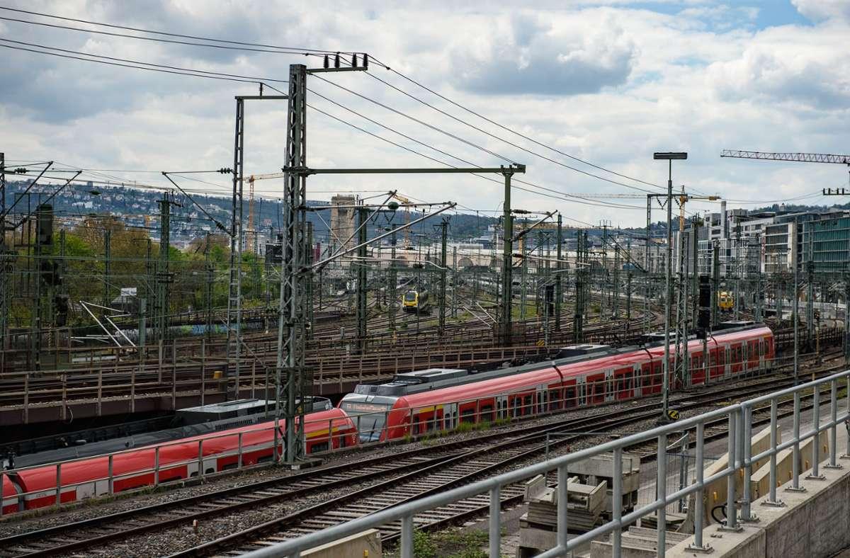 Beim Ausbau der  Schieneninfrastruktur in und um Stuttgart – hier die Zufahrt zum Hauptbahnhof – wollen die Grünen in der Region mit der CDU gemeinsame Sache machen. Foto: Lichtgut/Leif Piechowski