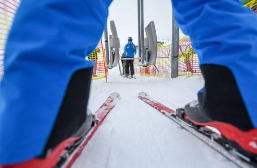 Selten rieselt der Schnee – Liftbetreiber lassen sich was einfallen