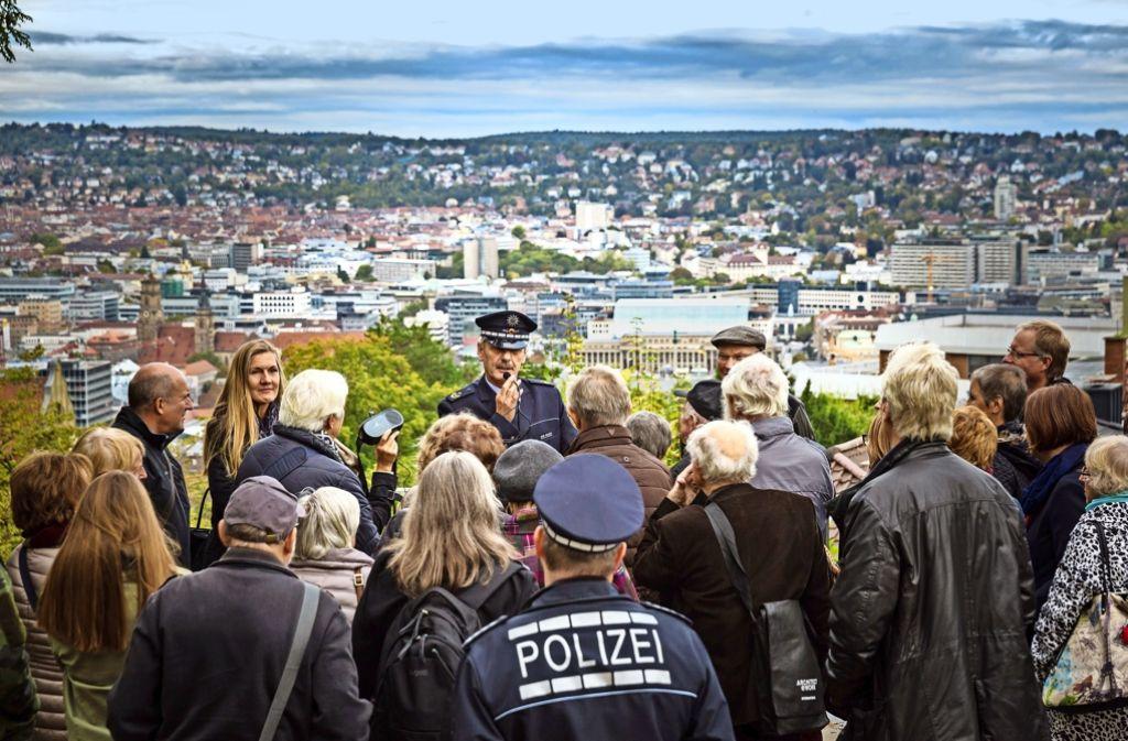 Polizeipräsident Franz Lutz informierte über Stuttgart aus Polizeisicht. Foto: Lg/Julian Rettig