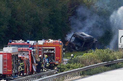 A61 nach Unfall mit Gefahrgut-Lkw voll gesperrt