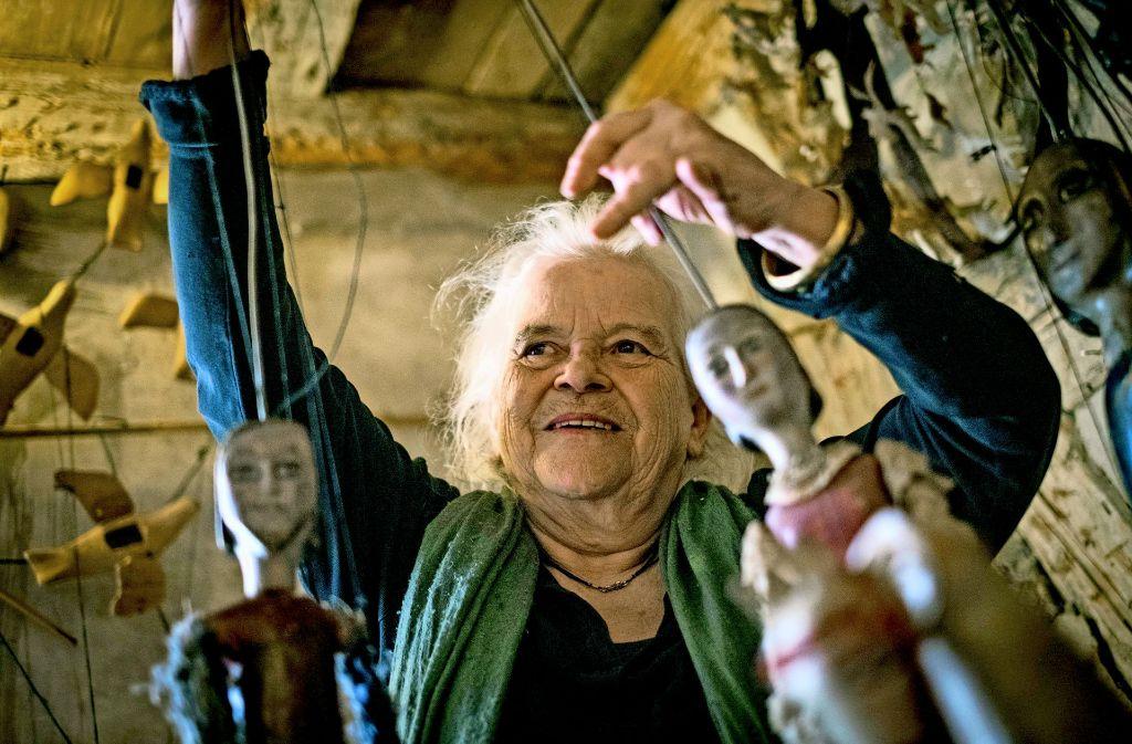 Helga Brehme, die Chefin des Theaters am Faden in Aktion Foto: Lichtgut/Max Kovalenko