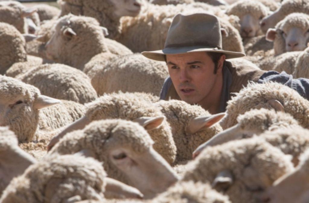 Seth MacFarlane (Mitte, mit Hut) hat nicht nur die Regie, sondern gleich noch die Hauptrolle in seiner Westernparodie übernommen. Foto: Universal Pictures