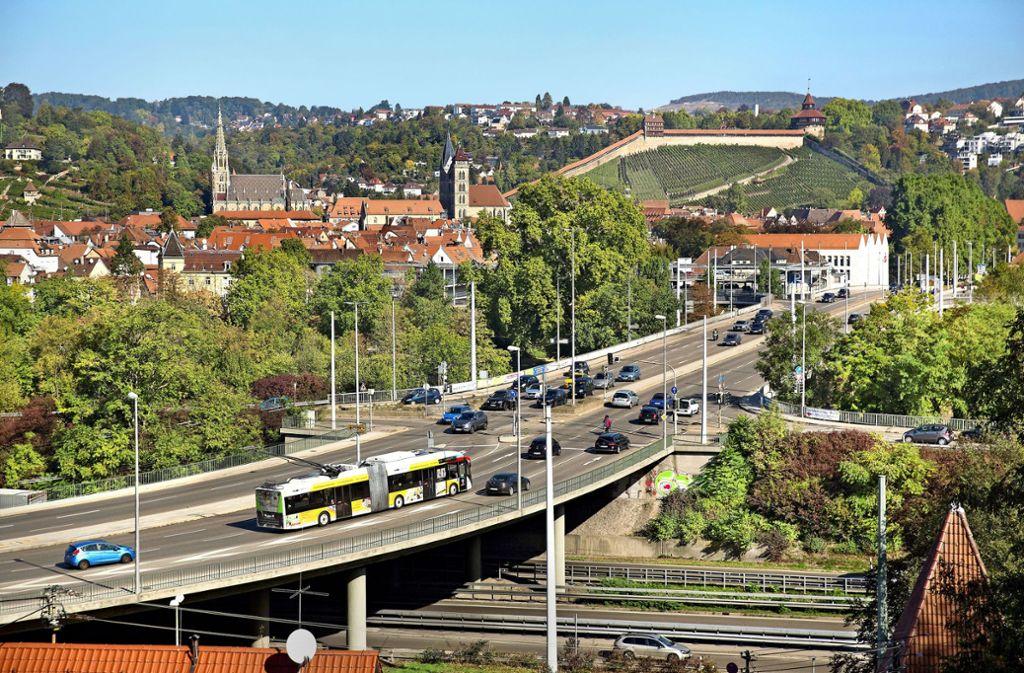Die Vogelsangbrücke wird von Mitte März an bis voraussichtlich November 2020 zum Nadelöhr auf dem Weg in die Esslinger Innenstadt. Foto: Horst Rudel/Archiv