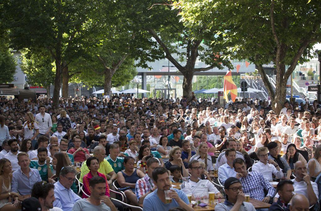 Deutschland ist ausgeschieden – die Stimmung in Stuttgart ist entsprechend gedämpft. Foto: Lichtgut/Leif Piechowski