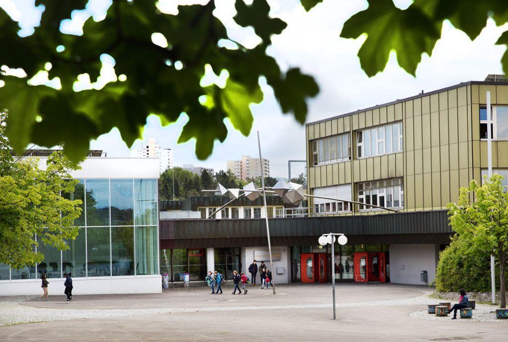 Das Hölderlin-Gymnasium soll für 14,3 Millionen Euro saniert werden. Foto: Ines Rudel