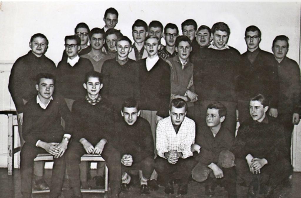 Gerhard Raff als Schüler: vorne kniend der Zweite von rechts Foto: privat