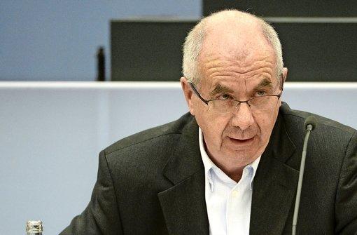 Der Ex-Polizeichef Siegfried Stumpf ist als Zeuge im Wasserwerfer-Prozess geladen. Ausgesagt hat er nicht. Foto: dpa