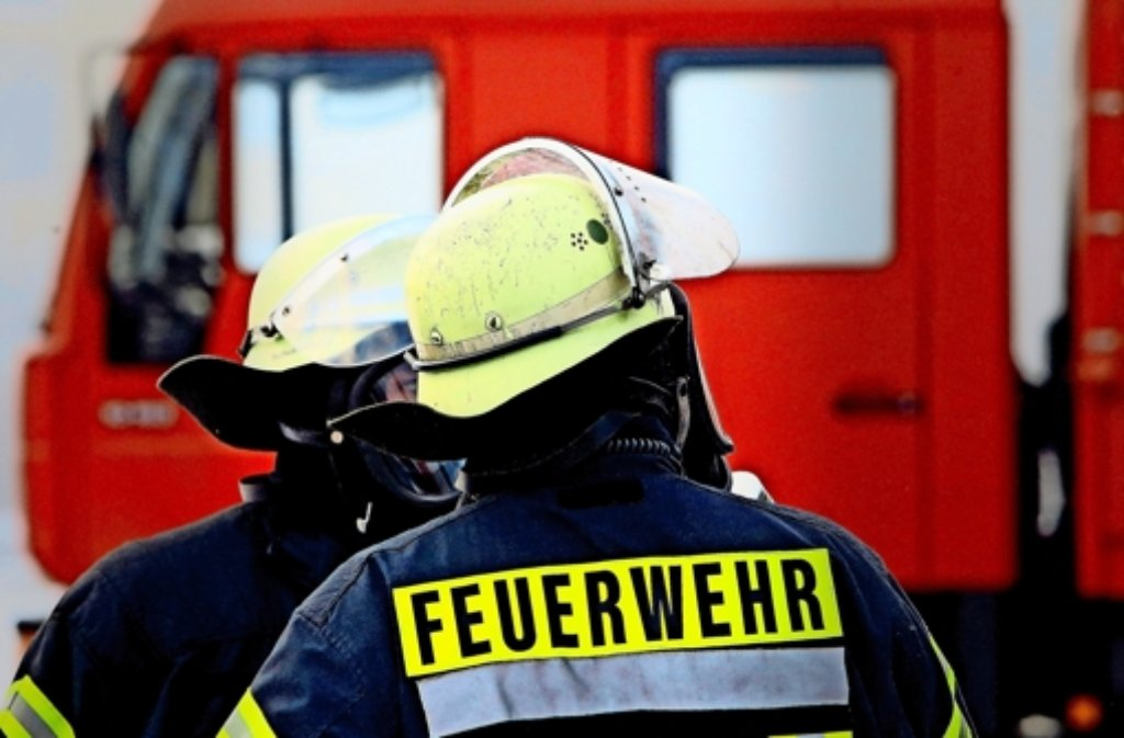 Insgesamt 48 Einsatzkräfte der Feuerwehr rückten am Mittwoch wegen eines Gaslecks nach Böblingen aus. Foto: dpa/Symbolbild