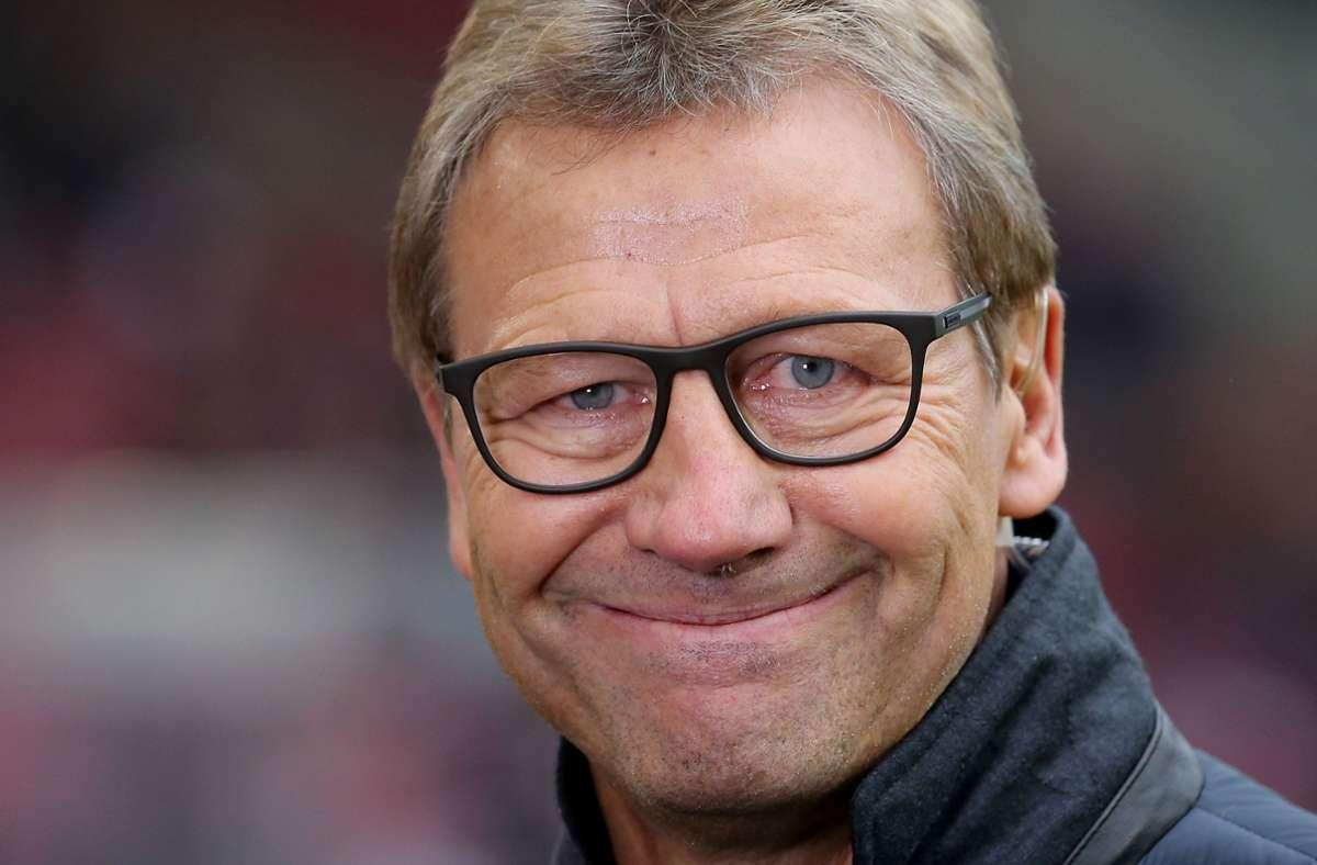 Guido Buchwald freut sich über den ordentlichen VfB-Start. Foto: Pressefoto Baumann/Julia Rahn