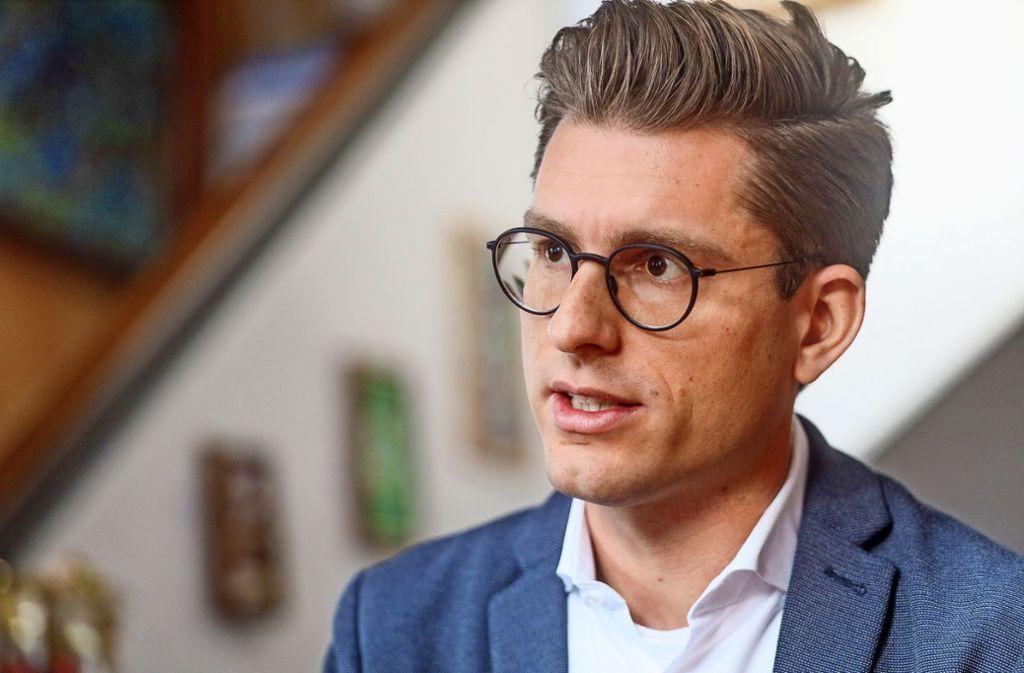 Dirk Oestringer ist parteipolitisch unabhängig. Er ist davon überzeugt, dass dies die Gespräche erleichtert. Foto: factum/Simon Granville