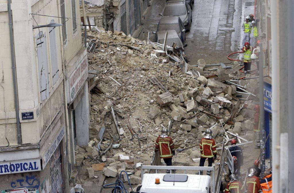 Ein Bild der Zerstörung bietet sich den Rettungskräften in Marseille. Foto: AP