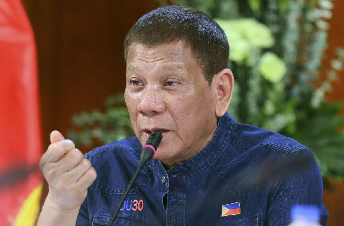 Philippiniens Präsident Rodrigo Duterte geht hart gegen Drogen vor. (Archivbild) Foto: AP/Robinson Ninal Jr.