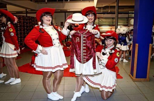 Neue Uniformen für die  Gardetänzerinnen