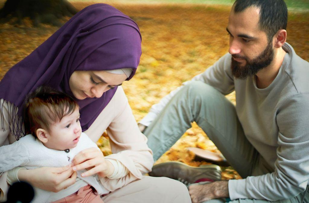 Ilaf mit ihren Eltern Weam (li.) und Ahmed  beim  Parkausflug Foto: ZDF/Aljoscha Hofmann