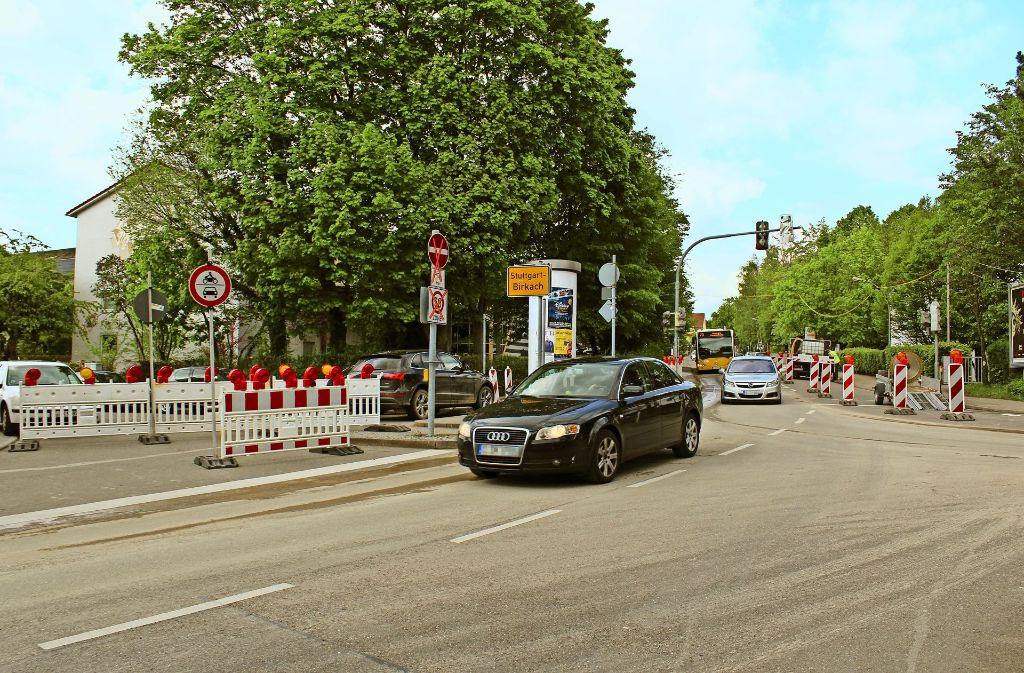 Voraussichtlich bis Montag, 9. Juni, werden in Birkach neue Stromkabel verlegt Foto: Jacqueline Fritsch
