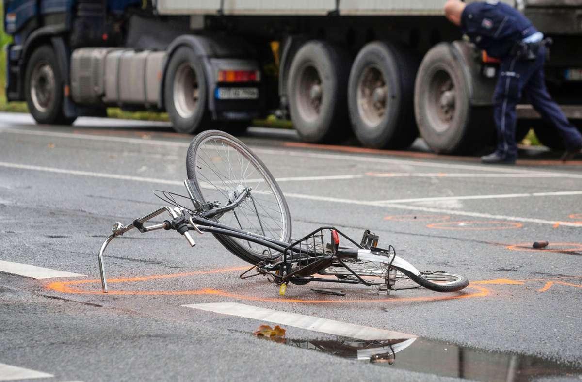 Der Unfall ereignete sich um etwa 9.15 Uhr am Mittwochvormittag. (Symbolbild) Foto: dpa/Arnulf Stoffel