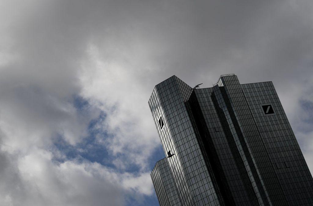 Die Deutsche Bank treibt ihren 2019 eingeleiteten Konzernumbau trotz der Corona-Krise weiter voran. Foto: dpa/Arne Dedert