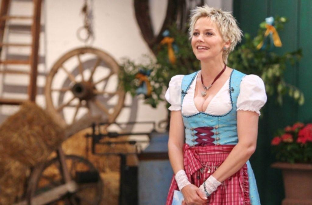 Moderatorin Inka Bause sucht wieder Herzdamen für ihre Bauern. Foto: RTL / Stefan Gregorowius