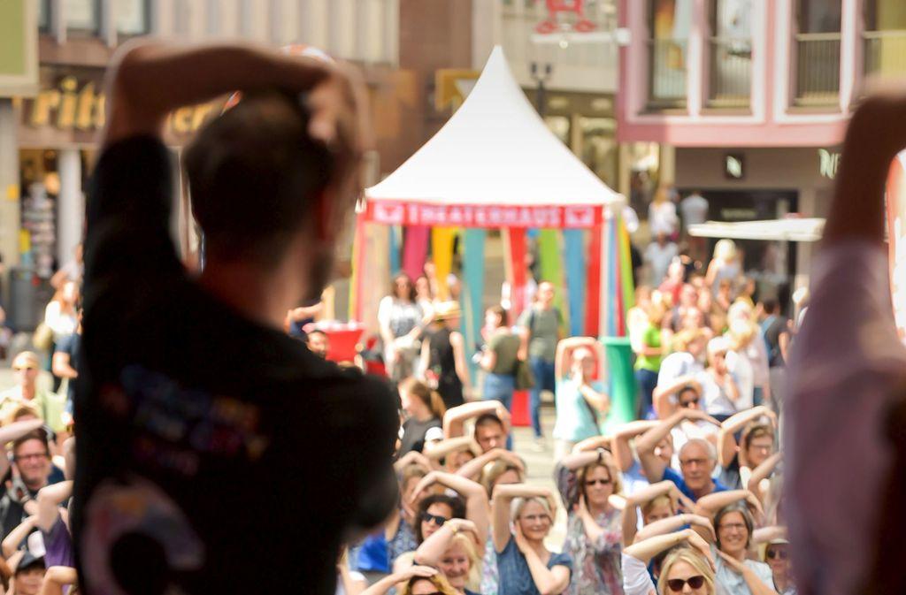 Die Zuschauer tanzen nach, was  Eric Gauthier au Foto: