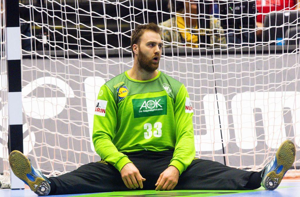 Torhüter Andreas Wolf sitzt enttäuscht am Boden. Foto: Bildbyran via ZUMA Press