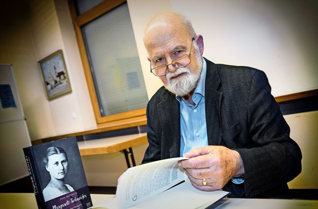 """Als Versuch einer """"späten Buße"""" bezeichnet  Dieterich das Buch über die Tante. Er hat bisher nur über Männer geschrieben. Foto: /Horst Rudel"""