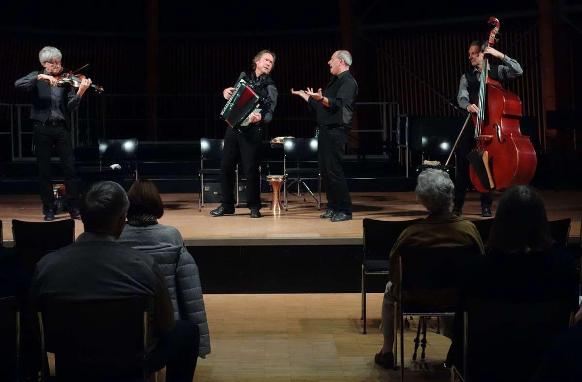 Jontef heißt  Musik, die unter die Haut geht,  und Musiker, die mit Begeisterung auf  hohem Niveau spielen. Foto: Ingrid Sachsenmaier