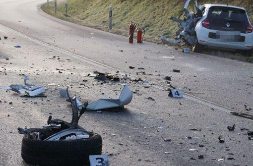 Mehrere Unfälle durch Glatteis – 23-Jährige stirbt