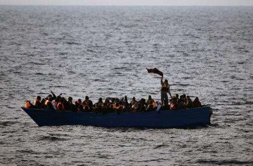 Dutzende Migranten ertrinken vor Tunesien und der Türkei