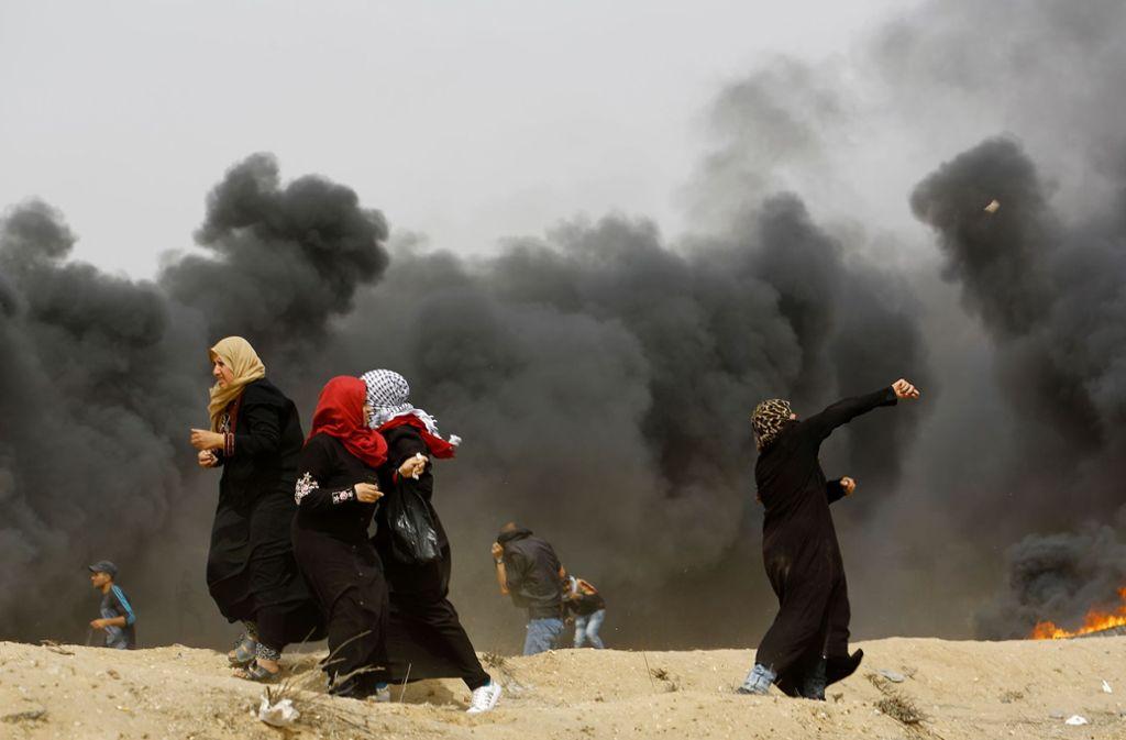 Palästinenser protestieren am Freitag gegen die israelische Blockade-Politik. Foto: AFP