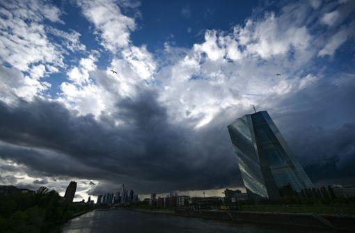 Vorhang auf  für Apple und die EZB