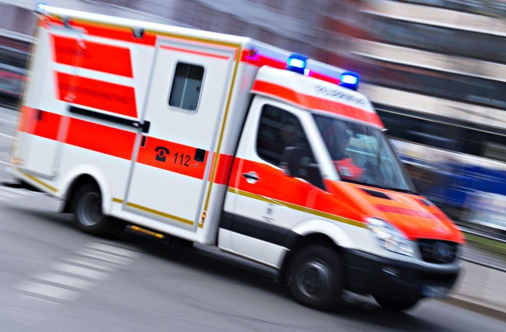 Bei einem Unfall zog sich ein Motorradfahrer in Vaihingen an der Enz schwere Verletzungen zu. Foto: dpa