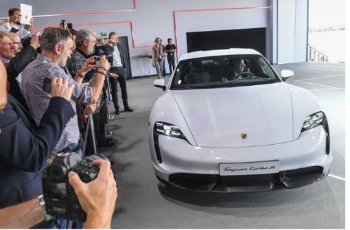 Porsche Taycan muss für Update in Werkstatt