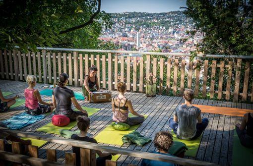 Yoga ganz oben – und  doch  in der Mitte