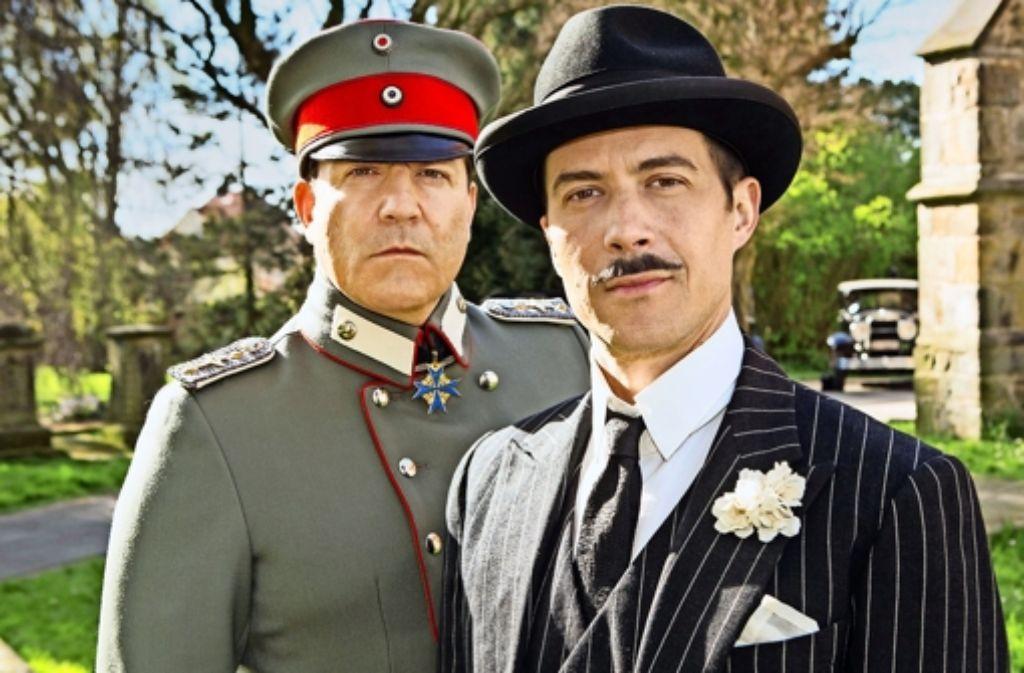 Ungleiche Brüder: Hermann Göring (Francis Fulton-Smith, li.) und Albert Göring (Barnaby Metschurat) Foto: ARD