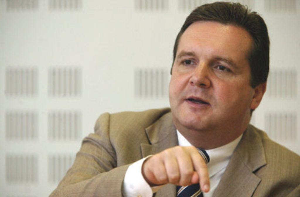 Der Ministerpräsident des Landes Baden-Württemberg, Stefan Mappus, ist seit Februar 2010 im Amt. Der 44-Jährige ist Diplomökonom und vertritt seit 1996 den Wahlkreis Pforzheim im Landtag. Von 2004 bis 2005 war Mappus Umweltminister unter Ministerpräsident Teufel. Foto: Zweygarth