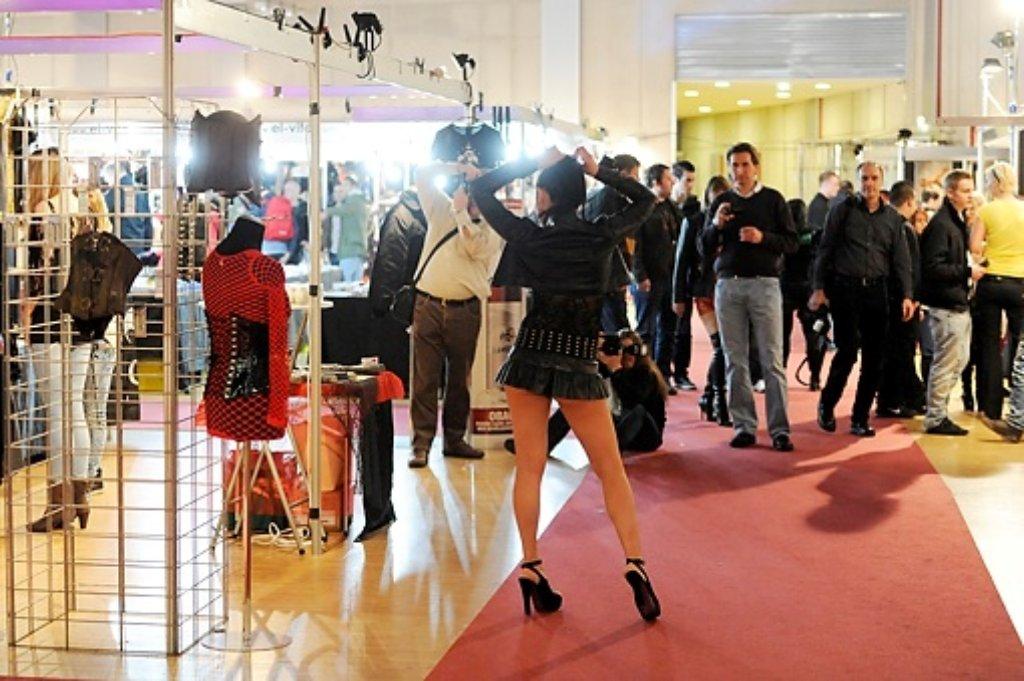 Von Gogo-Dancern bis Bodypaintern - die Branche traf sich in der Carl-Benz-Arena in Stuttgart auf der Erotikmesse Wild Love. Foto: www.7aktuell.de | Oskar Eyb
