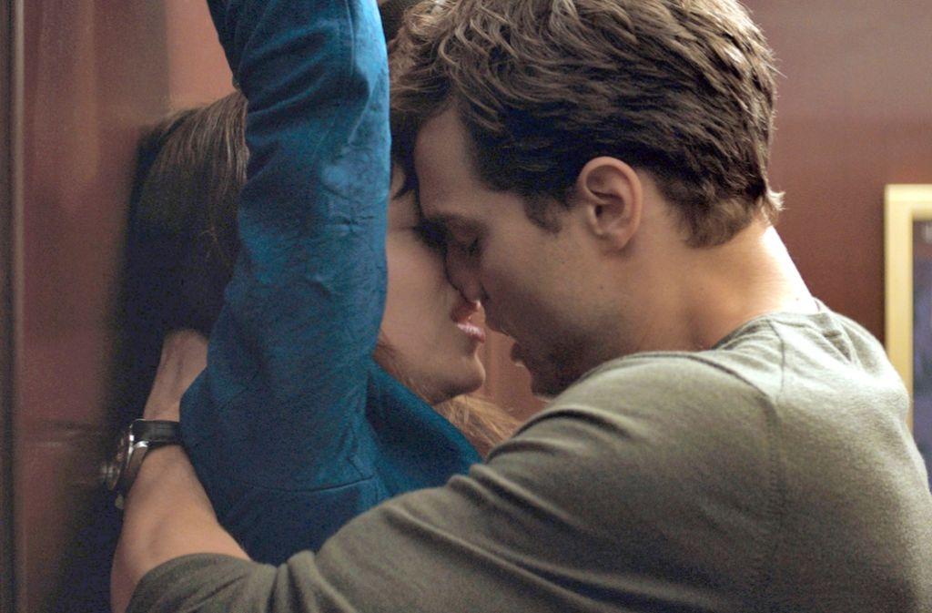 Schon die Verfilmung des ersten erotischen Bestsellers von E.L. James spielte mehr als eine halbe Milliarde Dollar ein. Nun darf man auf den zweiten Teil gespannt sein. Foto: AP