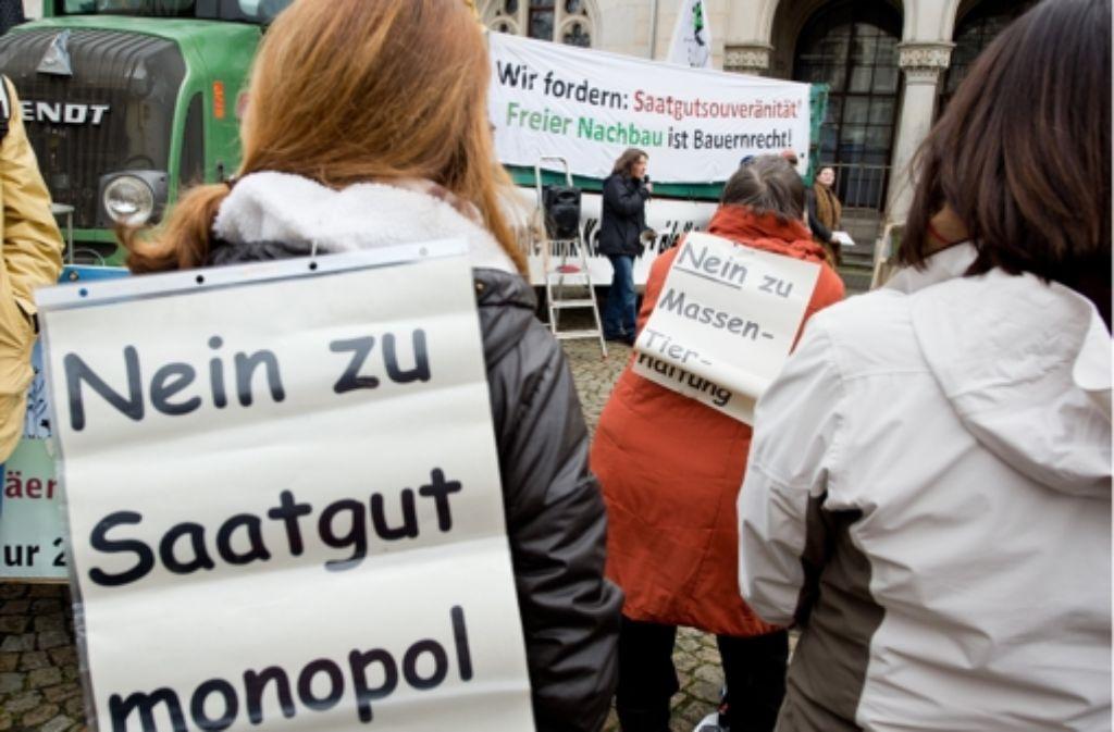 Für eine nachhaltige Landwirtschaft und gegen Gentechnik sind in Berlin 30000 Landwirte und Verbraucher auf die Straße gegangen. Foto: dpa