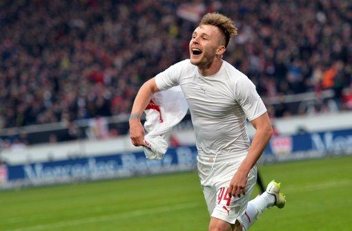 Hochgefühl: Der Stuttgarter Spieler Alexandru Maxim jubelt über sein Tor zum 3:1 gegen Frankfurt. Die lange Durststrecke vor dem ersehnten Sieg dokumentieren wir in der folgenden Bilderstrecke. Foto: dpa